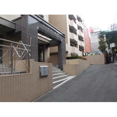 ハローストレージ渋谷松濤パート2外観